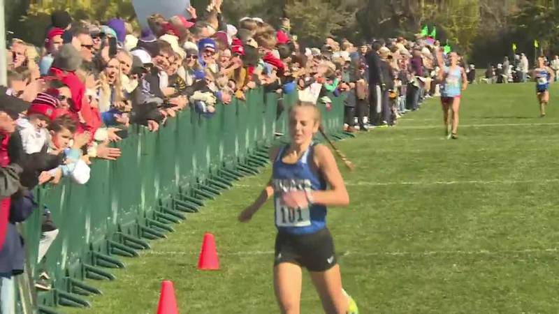 Wins third straight state Cross Country title in 2021