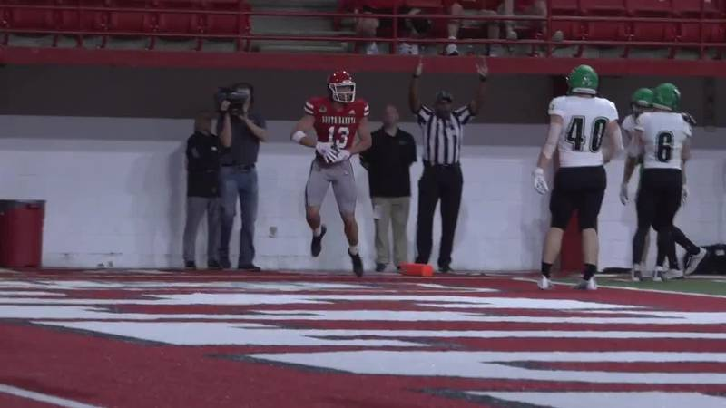 Coyotes break into Top 25 rankings after 20-13 victory