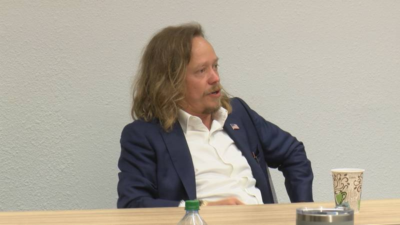 Former actor turned cryptocurrency expert addresses lawmakers during round-table