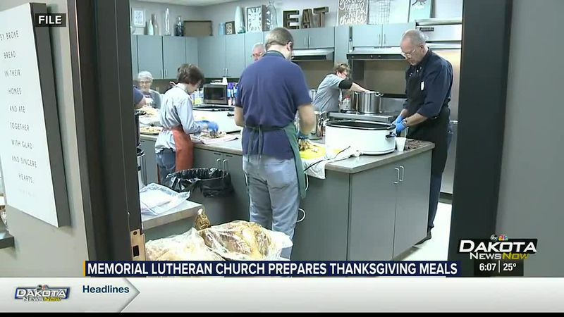 Memorial Lutheran Church Prepares Thanksgiving Meals