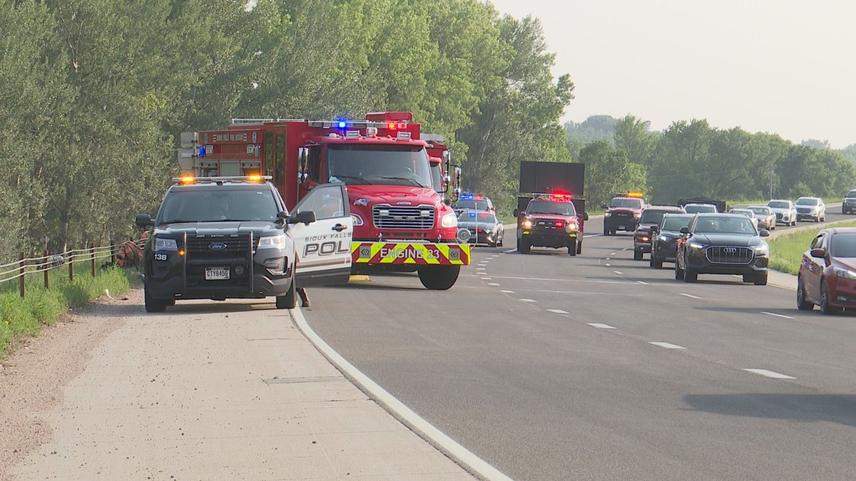 Three killed in I-229 crash