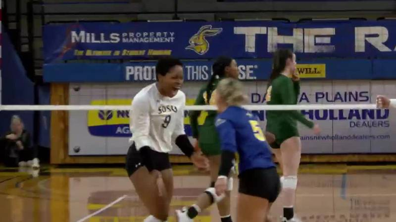 Crystal Burk leads Jackrabbits past Bison in Summit League volleyball