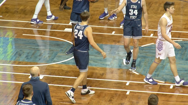 Utah State holds off Northern Iowa at Crossover Classic