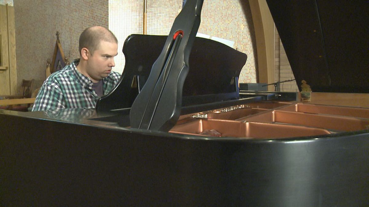 Scott Ristau plays the piano again after surgery