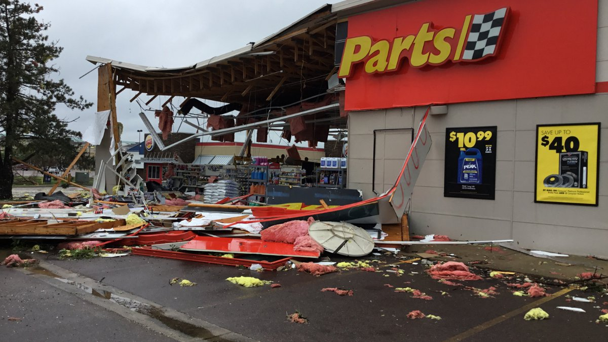Damage from an EF-2 tornado at an Advanced Auto Parts store in Sioux Falls, S.D.