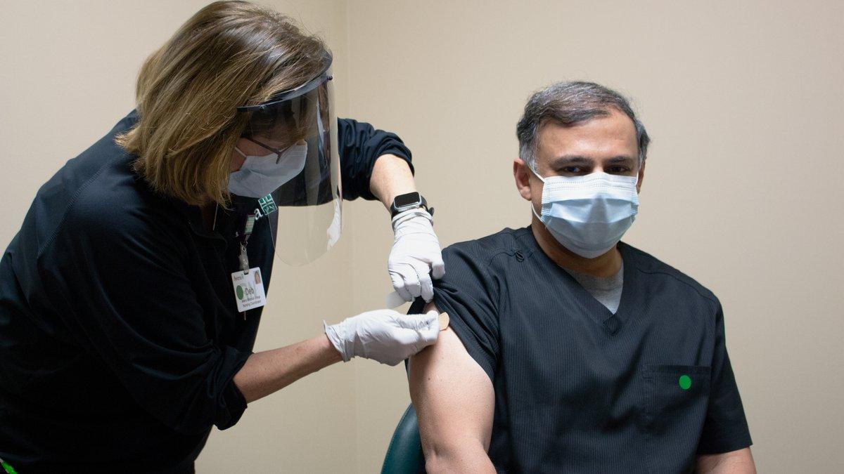 Avera Health Dr. Jawad Nazir receives Pfizer COVID-19 vaccine.