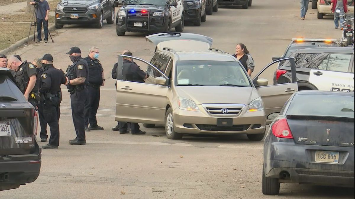 A heavy police presence was spotted near downtown Sioux Falls Tuesday afternoon.