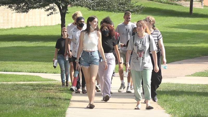 Augustana University offering incentives to vaccinated students and staff
