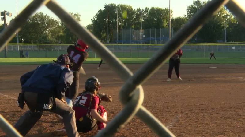 2nd-ranked Lincoln softball team takes two from Roosevelt
