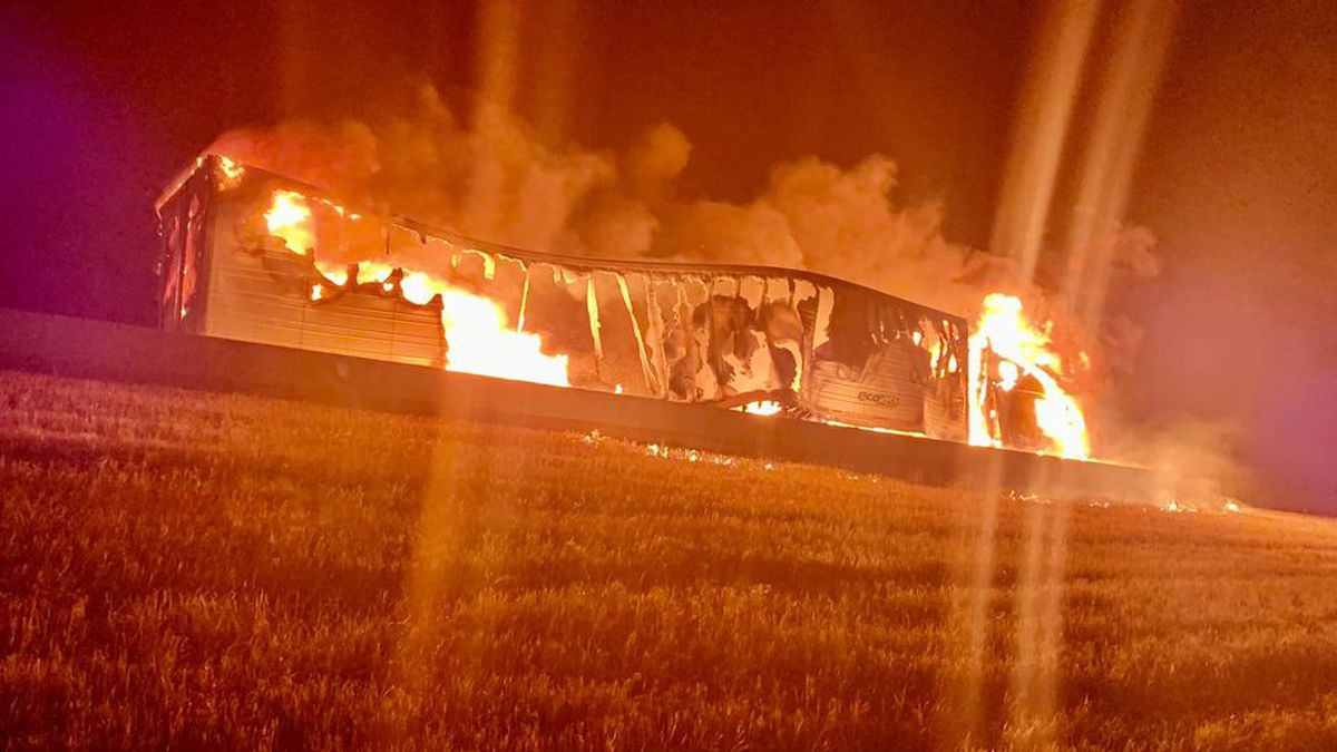 Semi catches fire Wednesday morning on I-29
