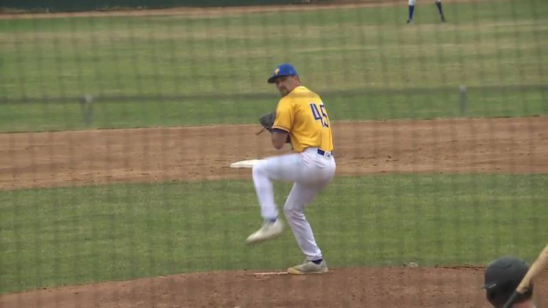 Augie's Parker Hanson shines in debut with Canaries