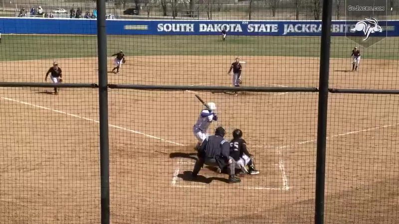 SDSU Softball wins two in doubleheader versus Omaha