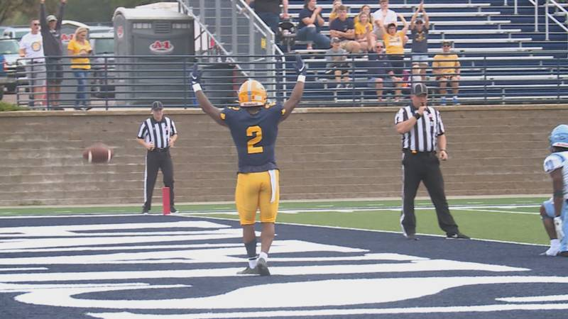 Both Augustana and Sioux Falls picked up wins on Saturday, as both continue their push to...