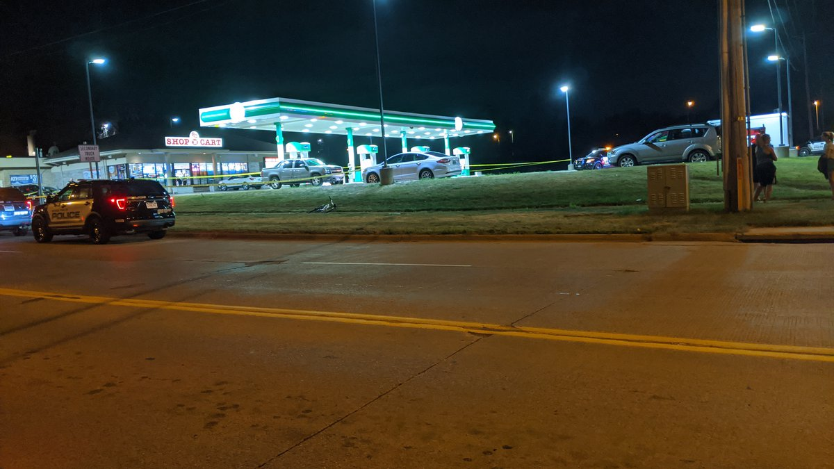Sioux Falls police are searching for the suspect who shot and injured a man Thursday night.