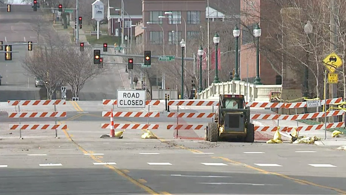 The Eighth Street Bridge in downtown Sioux Falls is re-opening Friday after closing to traffic...