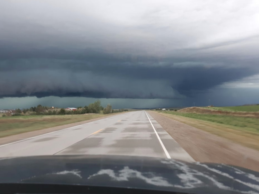 The storm approaches Colome in south-central South Dakota around 6 p.m.