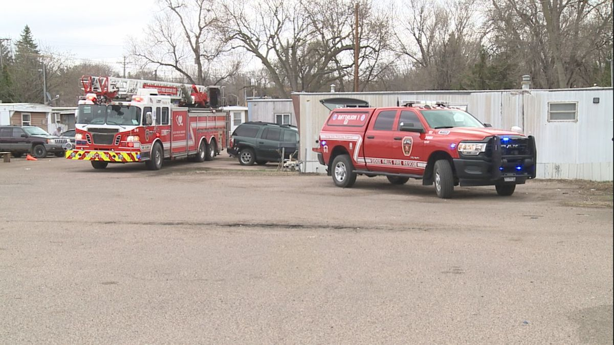 Crews respond to a fire on W. Burnside Street in Sioux Falls on April 6.