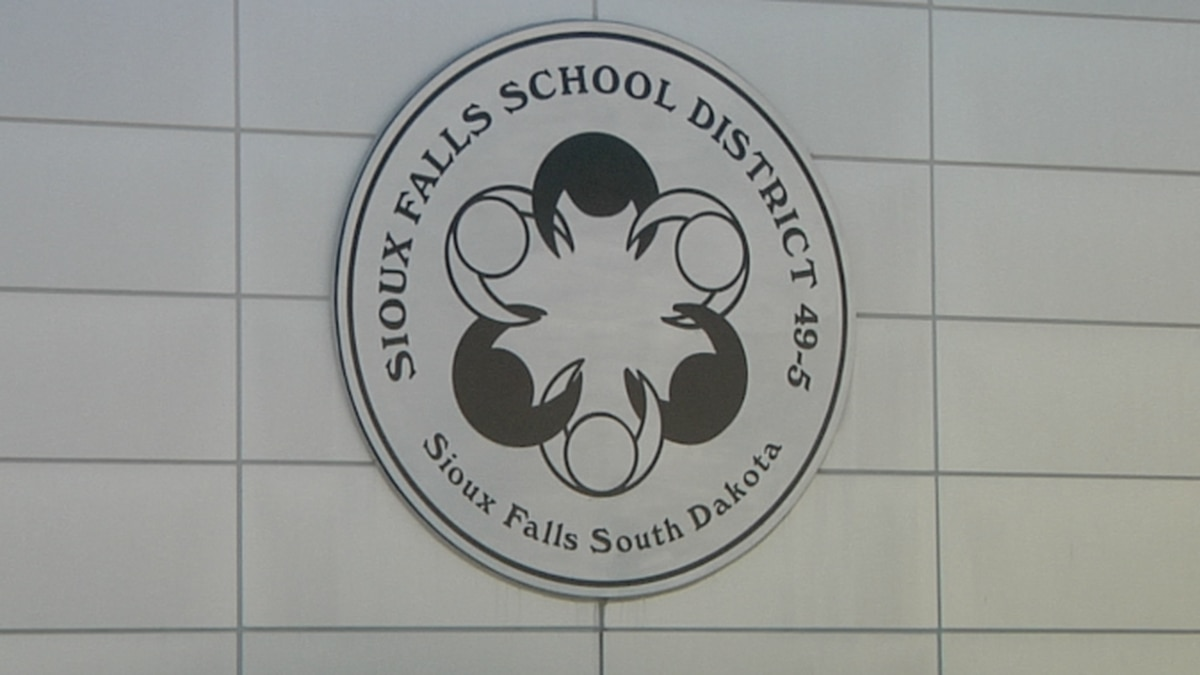 Sioux Falls School District searches for subs amid pandemic