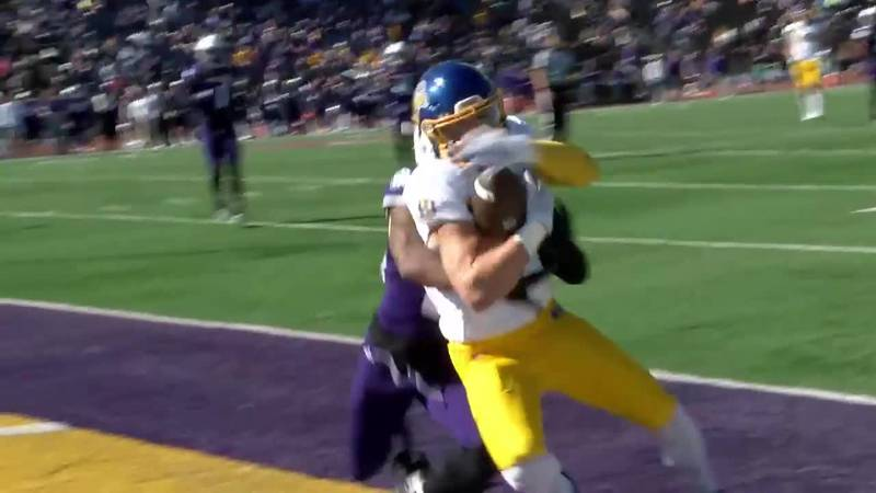 TD catch vs. Western Illinois